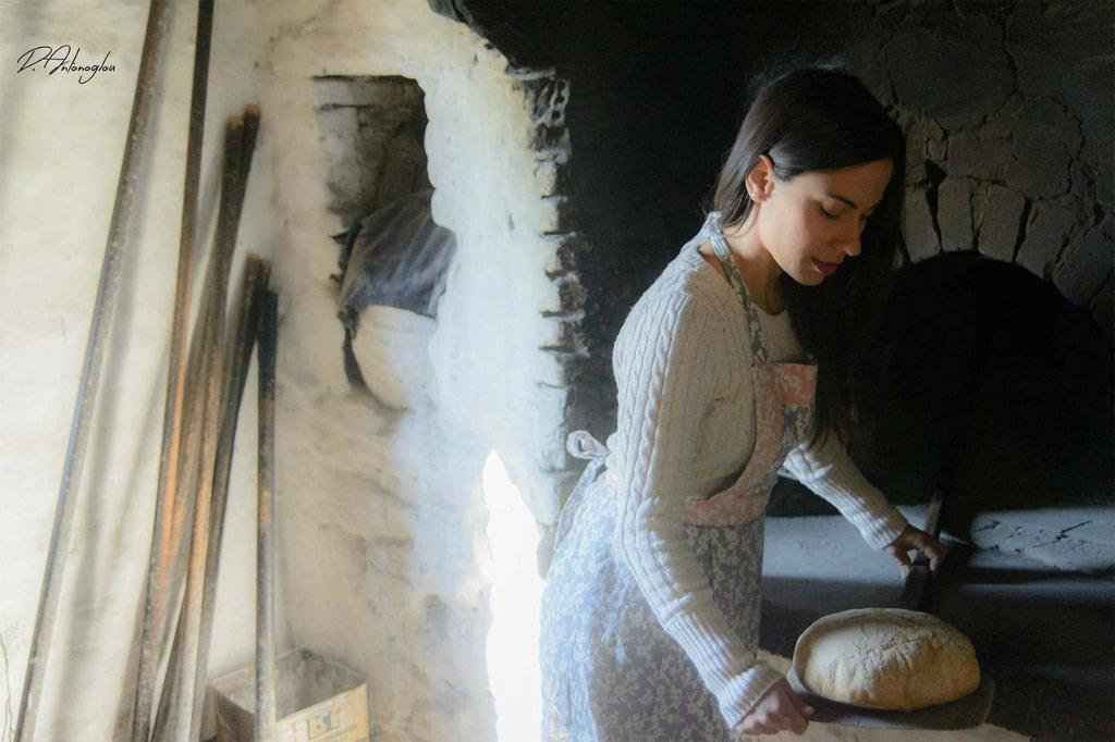 χωριάτικο ψωμί-βολισσός-χίος-ξυλόφουρνος