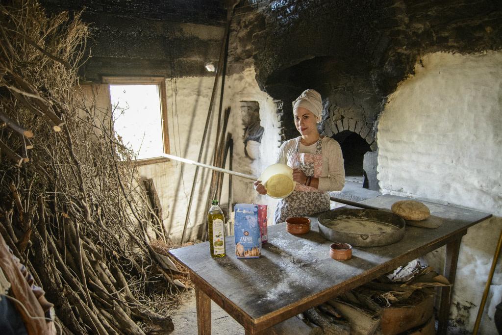 βολισσος-φούρνος-χίος-ελλάδα-χωριάτικο ψωμί-ψωμί-μασούτης