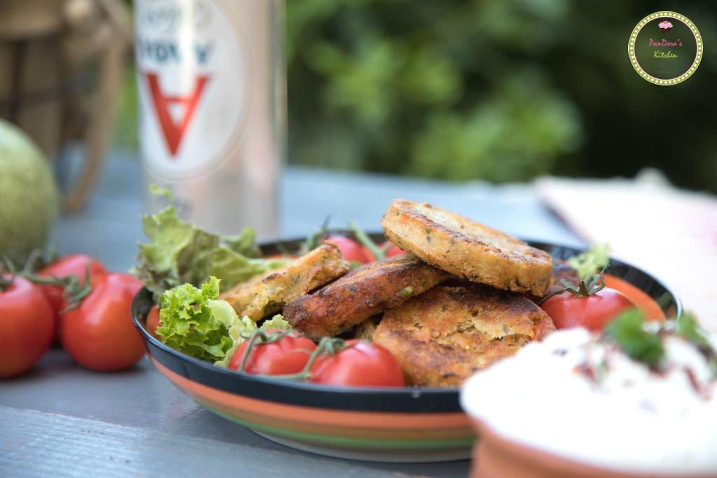 Κεφτεδάκια λαχανικών με δροσερή σάλτσα γιαουρτιού-ντοματοκεφτές-κολοκυθοκεφτές-μπύρα-ΑΛΦΑ-ΑΛΦΑ weiss
