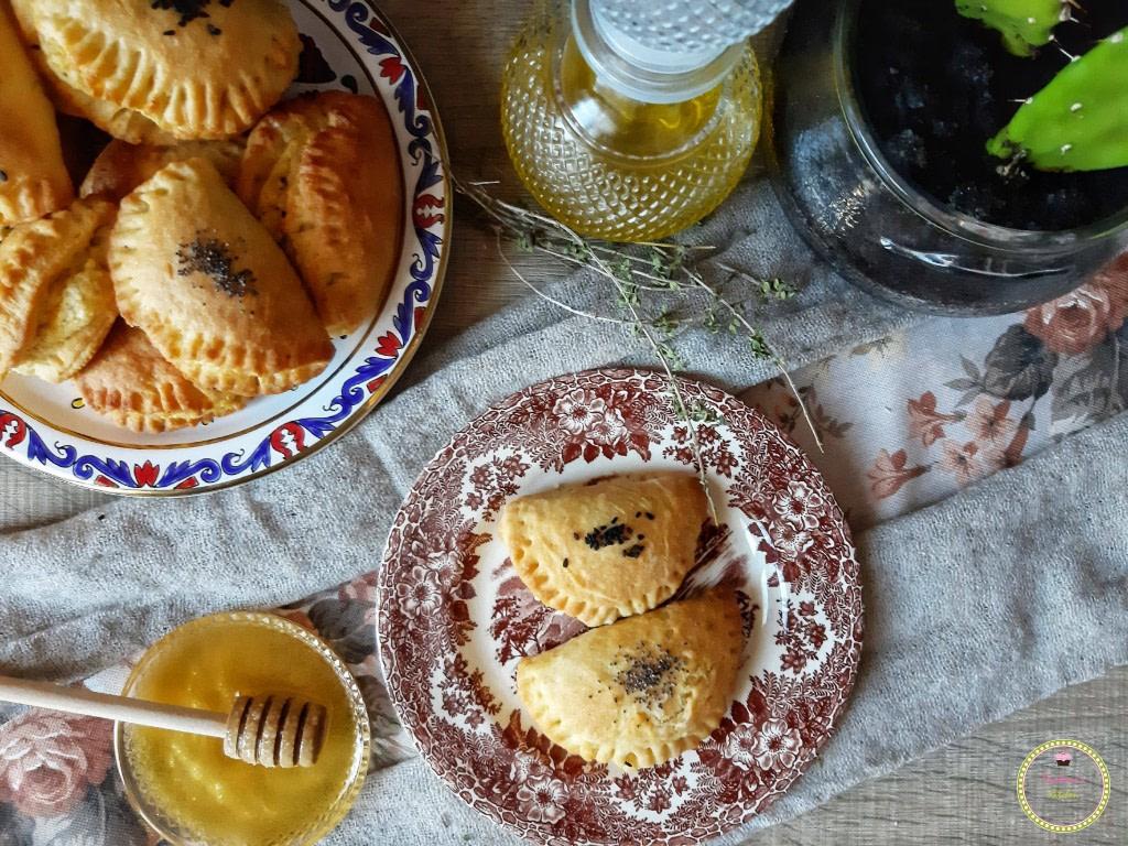 cheese-cheesepie-greek_food-finger_food