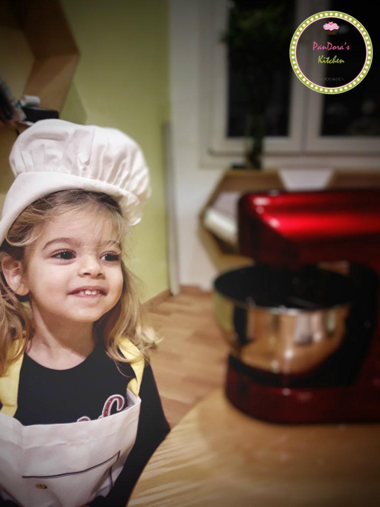 παιδί-δημιουργική απασχόληση-ζαχαροπλαστική για παιδιά-μαγειρεύω με το παιδό