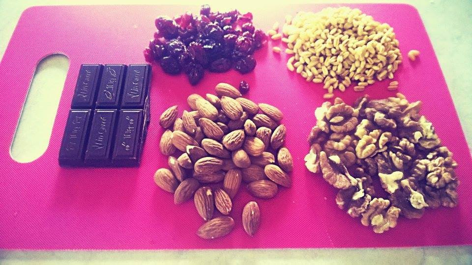 pandoras-kitchen-blog-greece-nuts-chocolate