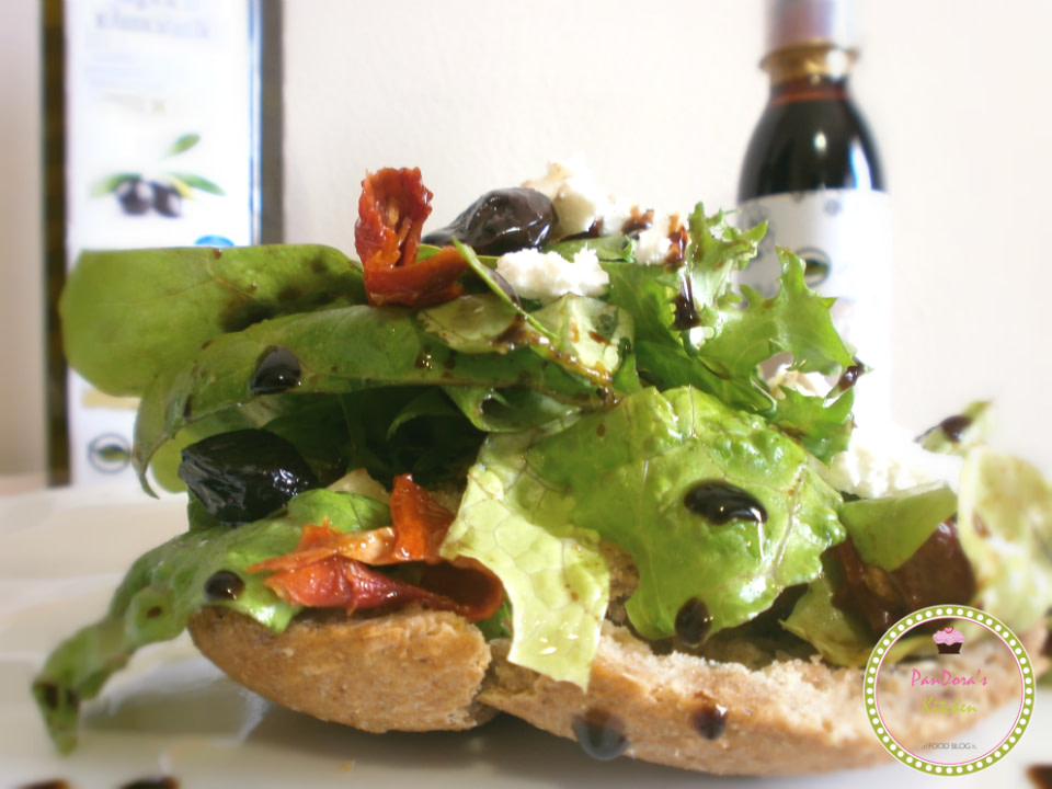 pandoras-kitchen-blog-greece-πράσινη σαλάτα με λιαστή ντομάτα και μυζήθρα-μασούτης-σουπερ μαρκετ