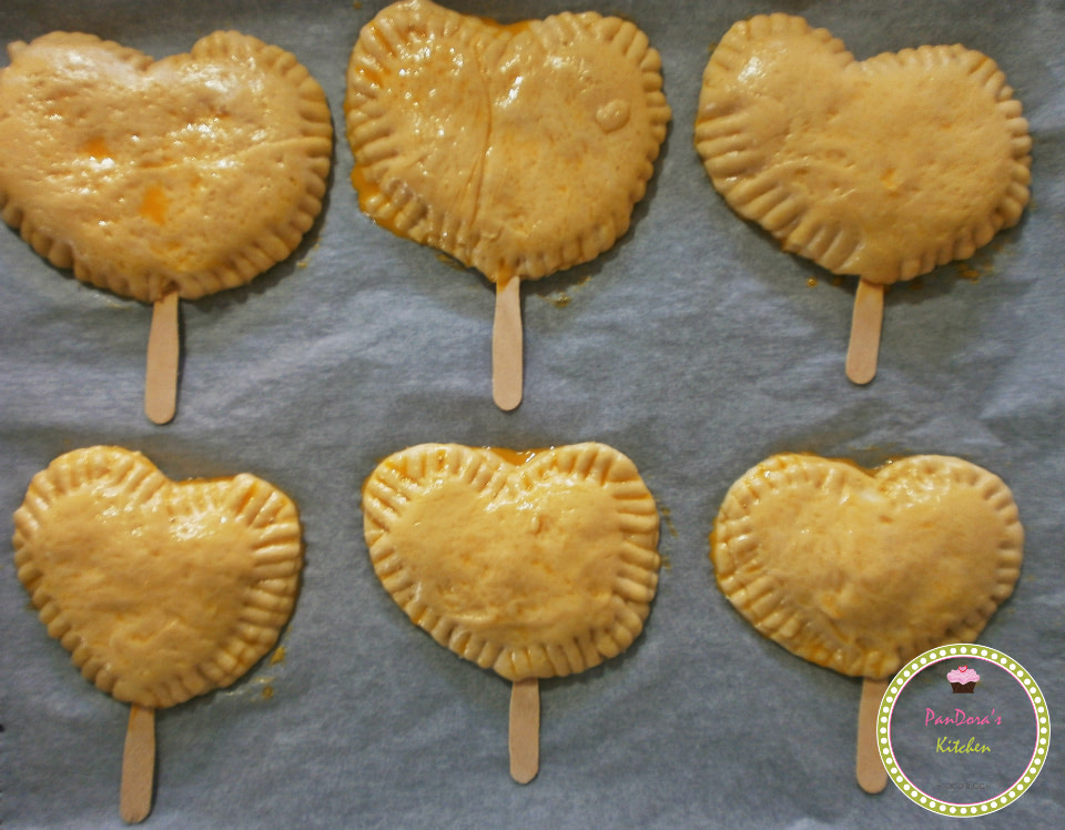 pandoras-kitchen-blog-greece-παραδοσιακές τυρόπιτες κουρού σε ξυλάκια-vimagourmet-food blog awards-cheesepie-masoutis