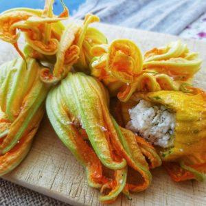 Κολοκυθοανθοί γεμιστοί με τυρί-κολοκυθοκορφάδες-κολοκύθι